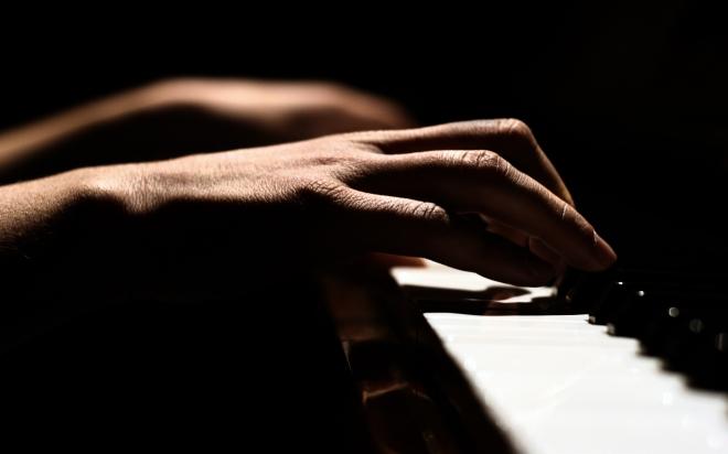 piano-hands1